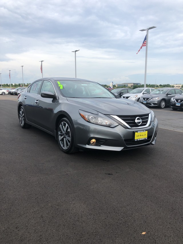 certified pre-owned 2017 nissan altima 2 5 sr